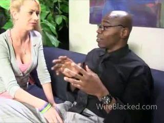 ผัวมีเมียน้อย ขาว ผู้หญิงสำส่อน สำหรับ ดำ หำ ใช้ปากกับอวัยวะเพศ