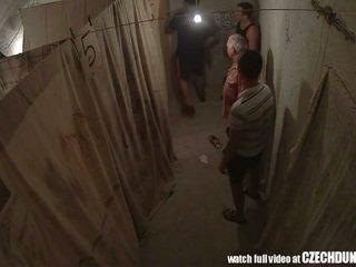 Shocking shots από eastern ευρωπαϊκό underground brothel