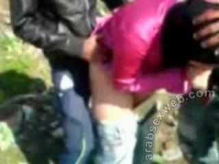 Arab sexo em hijab outdoors-asw922