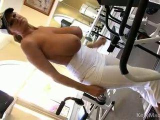 Kelly madison widens mound taking uz stiprs dzimumloceklis