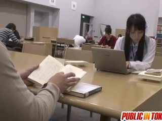 Sexy japonská studentská fucked v the třída