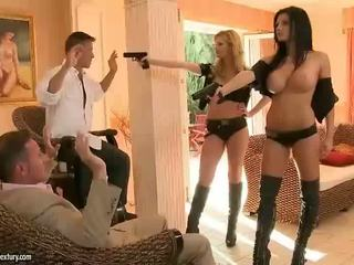 Aletta ocean ve tarra yüze sikiş rfucking two guys