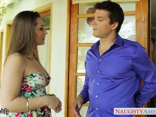 Cantik istri dani daniels mengisap titit outdoors