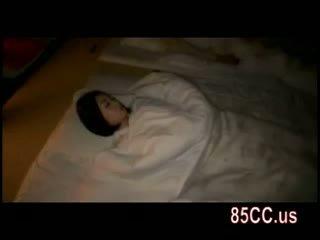 Дружина трахкав по husbands друг на the ліжко 05