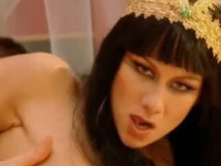 Julia taylor cleopatra видео