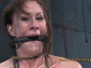 Punishment par babes krūšgali