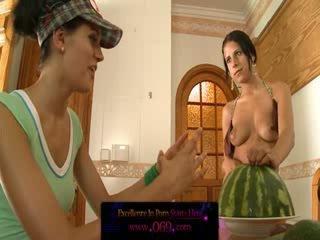 Fruity lezbo ballīte uz viņu holes