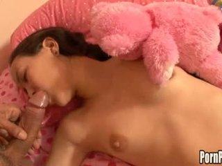 Asin pleasantheart amai liu acquires suo faccia hole attacked da un cazzo mentre dormire