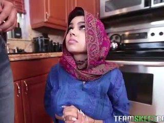 Arab tenåring ada gets en warm fitte cream