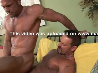 Str8 hung 6'7'' firefighter has gay seks.