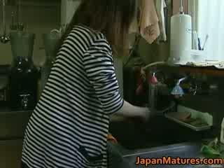 Japán bevállalós anyuka enjoys forró szex