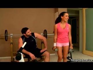 Amia miley banged 在 該 健身房