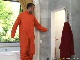 Angelic pechugona rubia prisión guardian chupando enorme prisoner polla