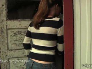 Quente jovem grávida jessie parker é um escrava