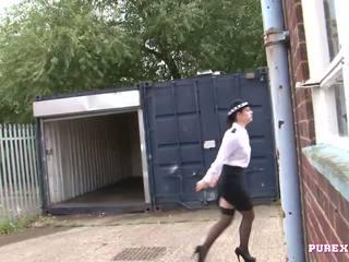 Pure xxx filmagens a foder um mamalhuda polícia mulher para não multa