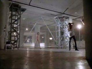 Angelina jolie में पहले सेक्स दृश्य