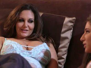 Abella danger και ava addams στο mommy's κορίτσι