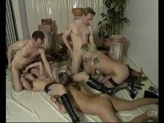 امرأة سمراء, مجموعة الجنس, اللسان