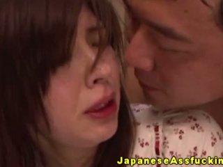 Japans milf anaal rijden op piemel