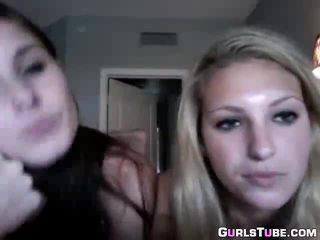 Two Collegegirls masturbate on webcam