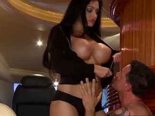 brunetta, sesso orale