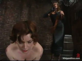 Rose has suo vag fingered e suo anale tunnel spanked da kym wilde