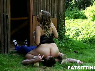 Chubby girl Lenka with facesitting fetish in action