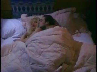 Cabin fever 1995: bezmaksas kanāls fever porno video 29