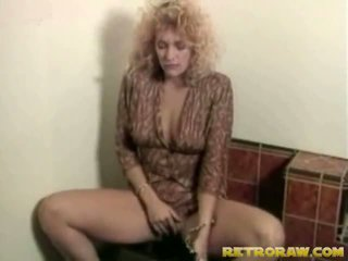 Lesbos v the washroom