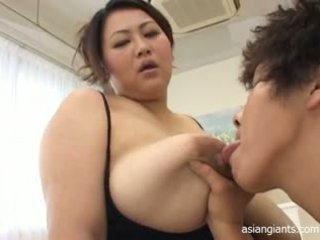 Asijské velké krásné ženy s velký ňadra
