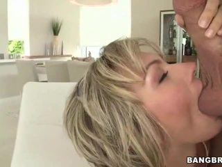 Big natural tit betje eje gives head