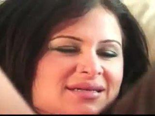 bruneta, veľké prsia, veľké prsia