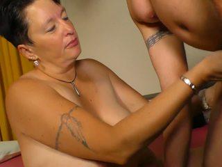 XXX Omas - Amateur Mature Sex with German Brunette.