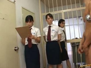 日本語 av 模型 在 一 piss 視頻