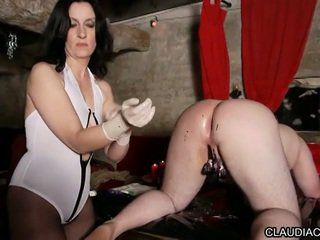 Wideo bdsm seance cire et fist anal maitresse claudiacuir