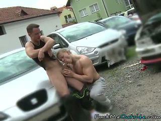 سيارة mechanic barebacks له زبون