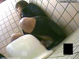 비밀 화장실 camera 뱃사공 소녀 masturbation