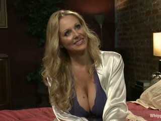 Busty MILF Julia Ann Has Abused By Lesbian Ladies