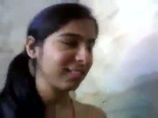 μεγάλα βυζιά, ντροπαλός, ινδός