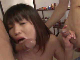 Horny Brunette Has Warm Cum Oozing from Her Twat: Porn 7c