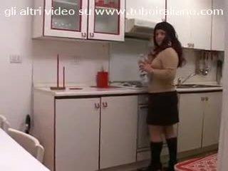 Casalingua italiana w carne włoskie gruba pani domu