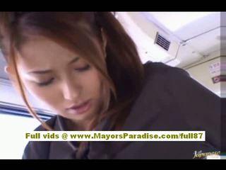 Nao yoshizaki sexy asiatico giovanissima su il autobus