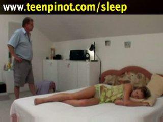 Κοιμώμενος/η μωρό πατήσαμε με senior
