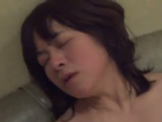 Amatuer Japanese Mature masturbates th...