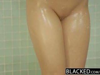 Blacked изневяра блондинки gf zoey monroe barely takes bbc в тя дупе